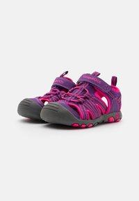 KangaROOS - K-ROAM - Walking sandals - fandago pink/dark navy - 1