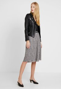 comma casual identity - LANG - A-line skirt - brown - 1