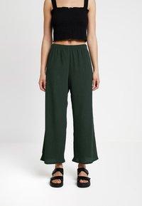 Weekday - LULA TROUSERS - Kalhoty - dark green - 0