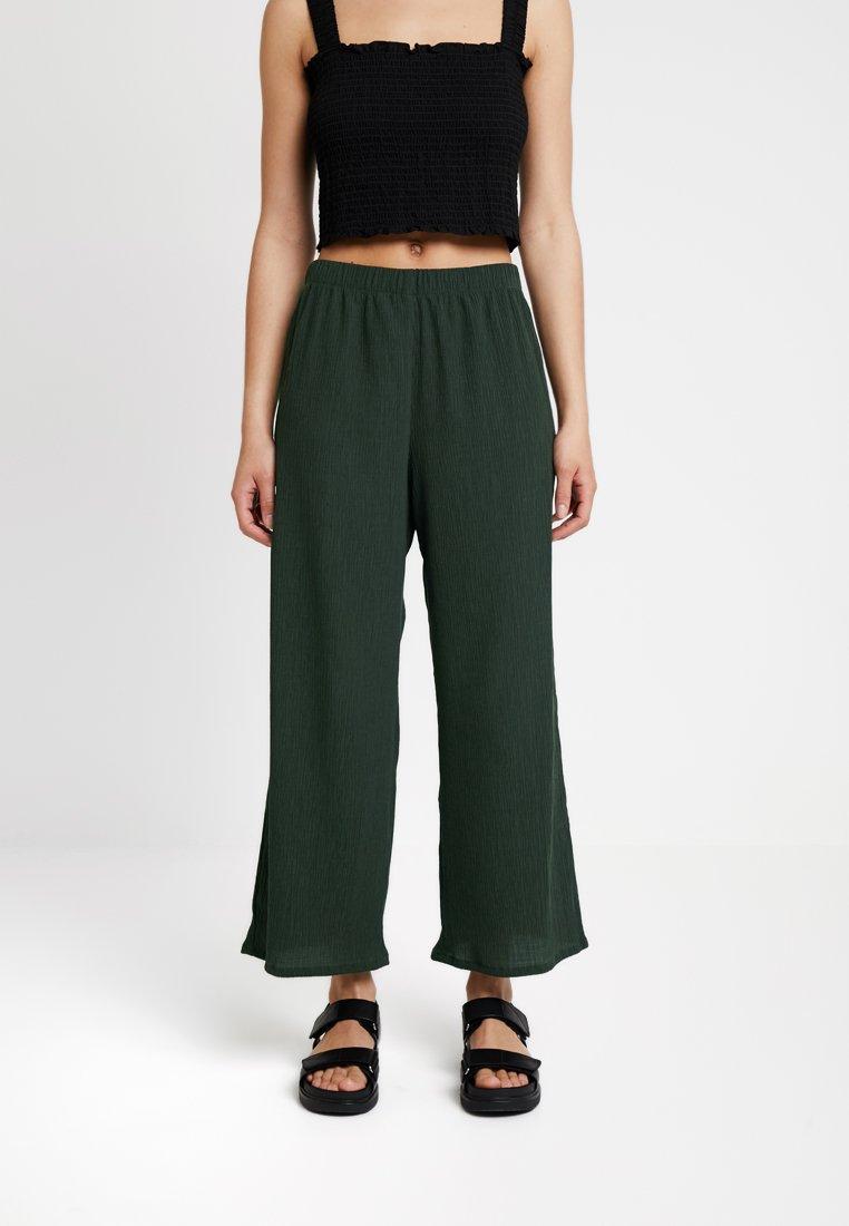 Weekday - LULA TROUSERS - Kalhoty - dark green