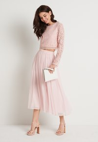 NA-KD - ZALANDO X NA-KD LONG SLEEVE LACE TOP - Bluser - dusty pink - 1