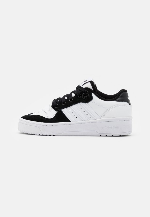 RIVALRY SPORTS INSPIRED SHOES UNISEX - Sneakers basse - footwear white/core black