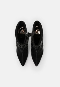 Diesel - SLANTY D-SLANTY MABZC BOOTS - High heeled ankle boots - black - 5