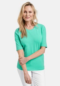 Gerry Weber - Basic T-shirt - aloe - 0