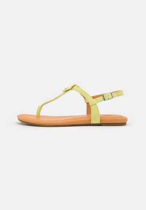 MADEENA - Sandály s odděleným palcem - pollen