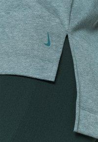 Nike Performance - CORE  - Sweatshirt - hasta/dark teal green - 4