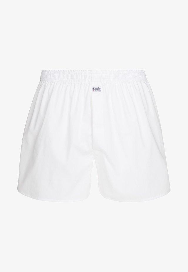 Boxer - white