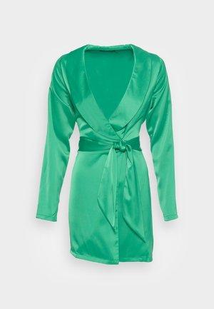 TIE WAIST SATINBLAZER DRESS - Cocktail dress / Party dress - green