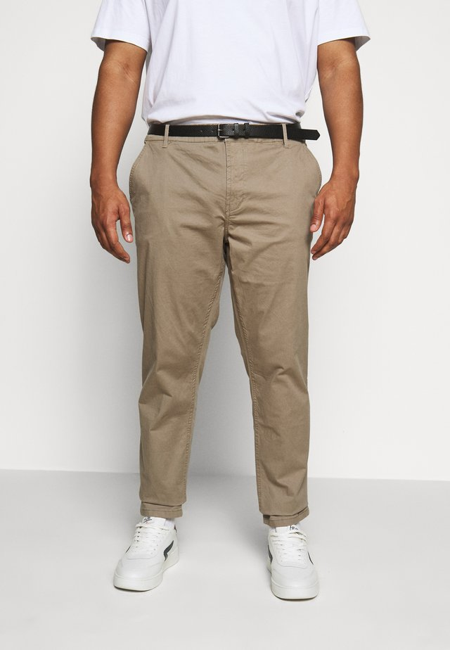 STRETCH WITH BELT - Chinos - tan