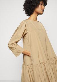 WEEKEND MaxMara - OMBRINA - Day dress - kamel - 4