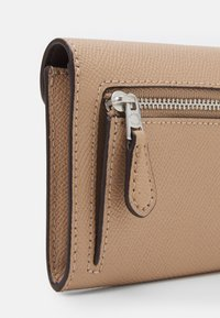 Coach - SOFT WALLET - Wallet - taupe - 3