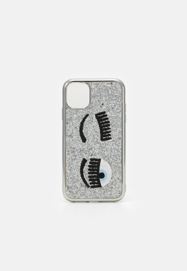 GLITTER FLIRTING CASE IPHONE 11 - Handytasche - silver-coloured