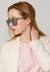Komono - RIVIERA - Sunglasses - frost/silver mirror - 0