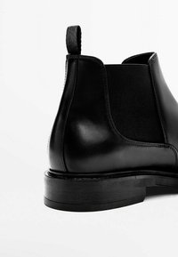 Massimo Dutti - CHELSEA AUS GEBÜRSTETEM  - Classic ankle boots - black - 3