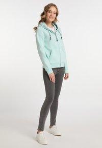 Schmuddelwedda - Zip-up sweatshirt - pastellmint - 1
