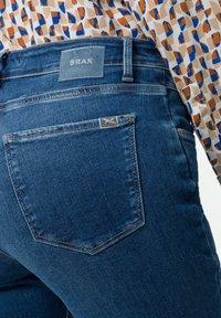 BRAX - STYLE SHAKIRA - Jeans Skinny - used light blue - 3