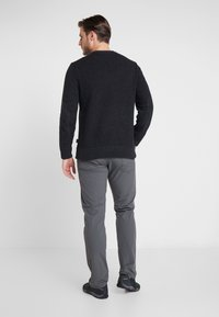 Patagonia - OFF COUNTRY CREWNECK - Strikpullover /Striktrøjer - forge grey - 2