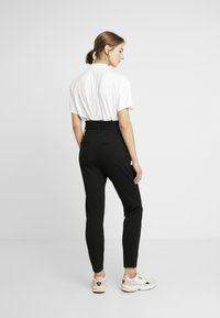 ONLY - ONLPOPTRASH EASY PAPERBAG PANT - Trousers - black - 3