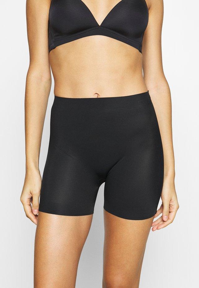 MAXI SEXY SHORT - Stahovací prádlo - black