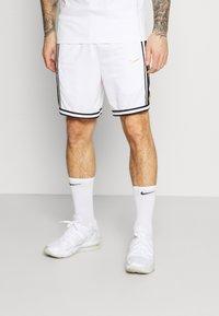 Nike Performance - DRY DNA SHORT - Short de sport - white/saturn gold - 0