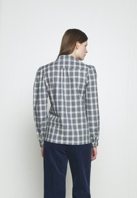 Alexa Chung - CLASSIC SLIM FIT SHIRT - Bluse - washed green/pale blue - 2