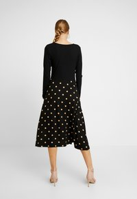 Dorothy Perkins - CAMEL SPOT MIDI - Jersey dress - black - 2