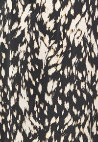 comma - KURZARM - T-shirt med print - black/beige - 2