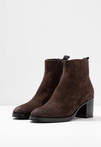 Adele Dezotti - Ankle boots - testa di moro - 4