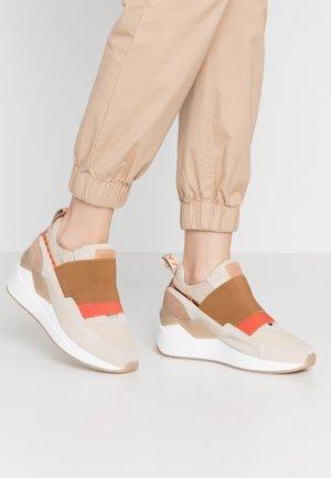 WASEDA - Scarpe senza lacci - beige