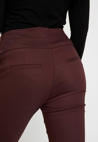 Forever New Petite - GEORGIA PANT - Trousers - wine - 4