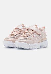 Fila - DISRUPTOR INFANTS - Sneaker low - coral blush - 1