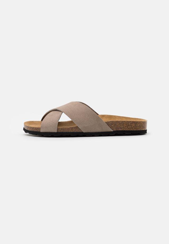ONLMADISON SLIP ON - Slippers - beige