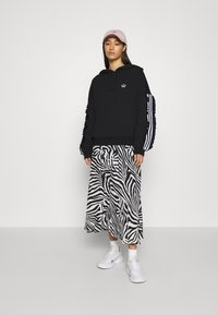 adidas Originals - BELLISTA SPORTS INSPIRED HOODED  - Hoodie - black - 1