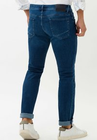 BRAX - CHUCK - Slim fit jeans - royal blue used - 2