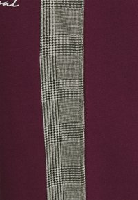 Nominal - CHECK TAPE  - Tracksuit bottoms - burgundy - 6