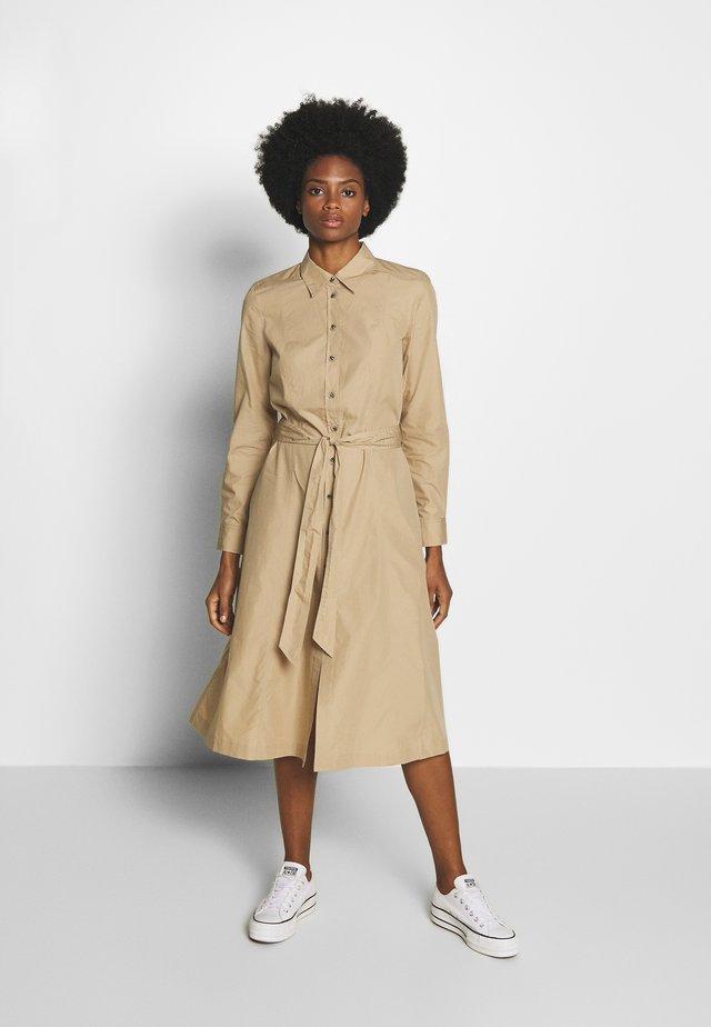 LEA DRESS  - Košilové šaty - beige