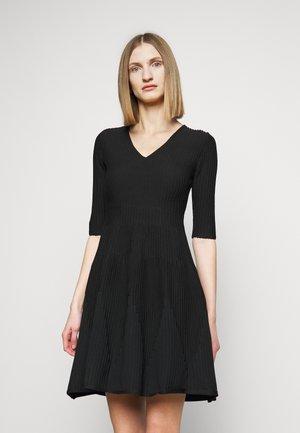 RIGORE ABITO MISTO - Pletené šaty - black