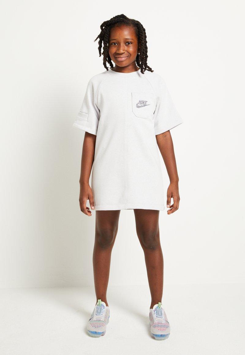 Nike Sportswear - Vestito estivo - light grey