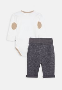Jacky Baby - WILD WILD WEST SET - Broek - off white/dunkelblau