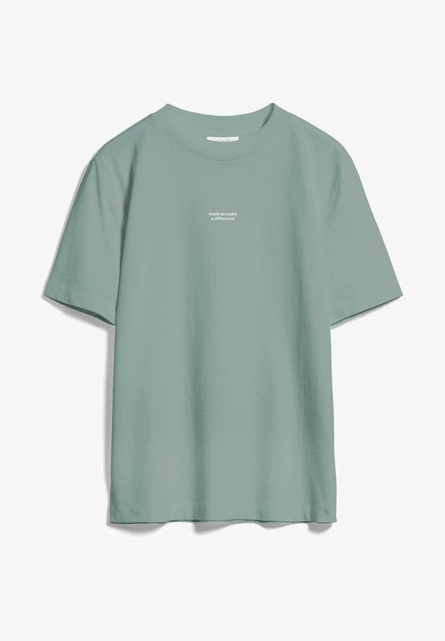 TARAA DIFFERENCE  - T-Shirt print - eucalyptus green
