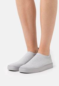 MAX&Co. - Slip-ons - light grey - 0