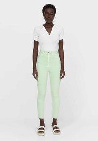 Stradivarius - Jeans Skinny Fit - light green - 1