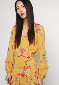 Wallis - FLORAL RUFFLE SLEEVE  - Day dress - mustard - 4