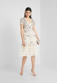 Needle & Thread - PRARIE FLORA DRESS - Day dress - champagne - 1