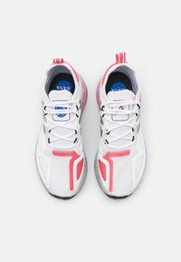 adidas Originals - ZX 2K BOOST - Zapatillas - footwear white/silver metallic/hazy rose - 5