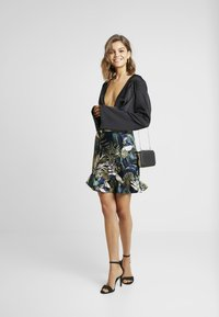 Vero Moda - VMLEAVES FRILL SKIRT - Wrap skirt - night sky - 2
