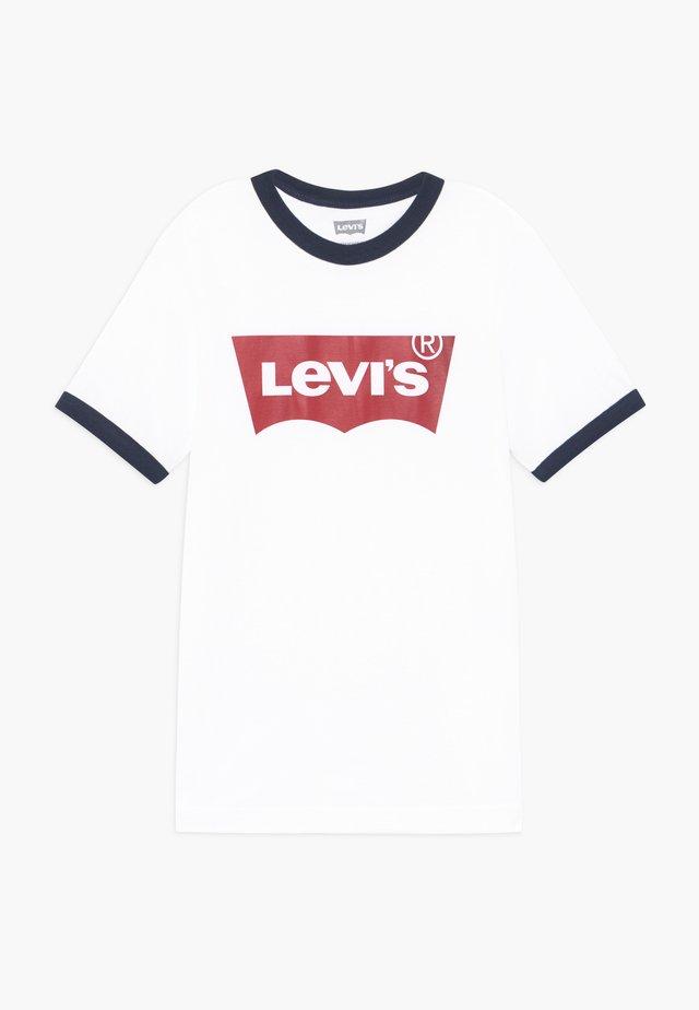 BATWING RINGER TEE - Print T-shirt - white