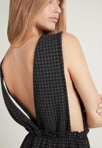 Tezenis - Day dress - - 063u - black/grey houndstooth - 3