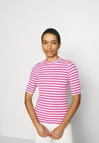 Selected Femme - SLFANNA CREW NECK TEE - Print T-shirt - rose/violet - 0
