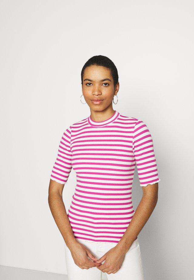 SLFANNA CREW NECK TEE - Print T-shirt - rose/violet